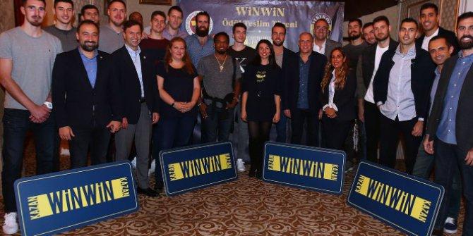 Winwin Kampanyası Talihlileri Fb Yöneticileri İle Yemekte Buluştu