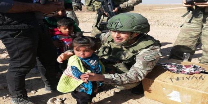 Bitlis'teki Asker Ve Polis Aileleri Suriye'deki Çocukların Yüzünü Güldürdü
