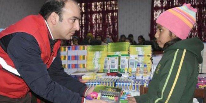 Kızılay'dan Pakistan'daki Kız Yetimhanesine Yardım Eli