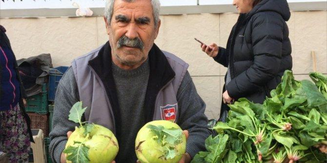 Mucize Sebze Alabaş Tire Pazarında Yoğun İlgi Gördü