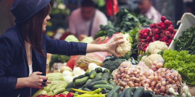 Semt pazarlarında sadece temel gıda ve temizlik maddeleri satılacak