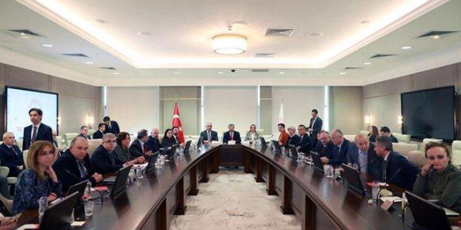 Sağlık Bakanı Fahrettin Koca açıkladı! Bir bilim kurulu üyesi koronavirüse yakalandi