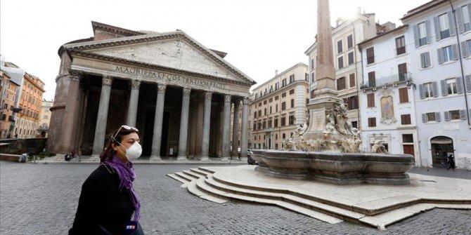 İtalya'da son 24 saatte 525 can kaybı daha