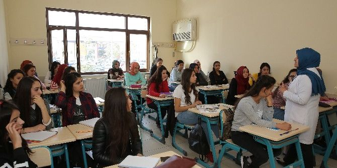 Büyükşehir 10 Bin Öğrenciye Eğitim Veriyor