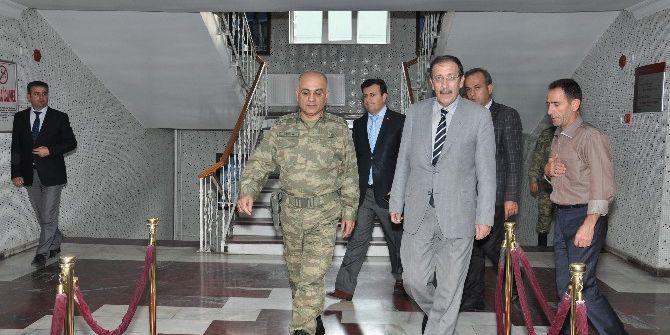 9'ncu Kolordu Komutanı Tümgeneral Özoğlu, Başkan Bulutları Ziyaret Etti