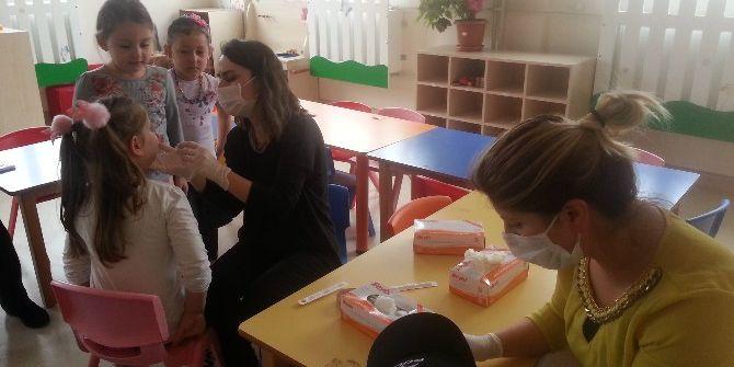 Minik Öğrencilere Diş Muayenesi Yapılacak