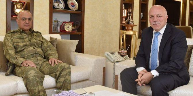 9. Kolordu Komutanı Tümgeneral Özoğlu Başkan Sekmen'i Ziyaret Etti