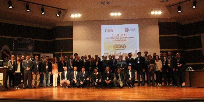 Aü'de 1. Ulusal Genç Geoteknik Mühendisleri Sempozyumu Düzenlendi