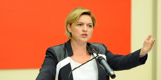 Chp Myk, Beşiktaş Belediye Başkanı Hazinedar'ı Disipline Sevk Etti