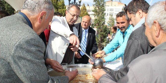 Tokat'ta 3 Bin Kişiye Aşure İkramı
