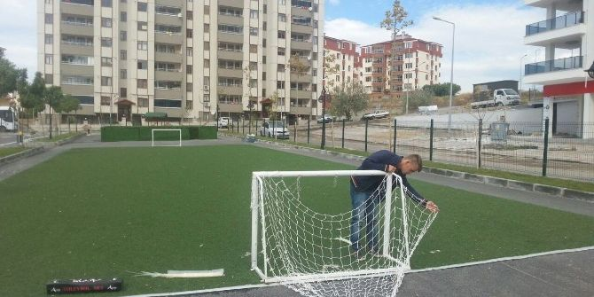 Özgür Çocuk Parkına Zarar Verildi
