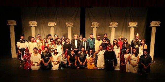 Denizli Büyükşehir Tiyatrosu Sezona Başladı