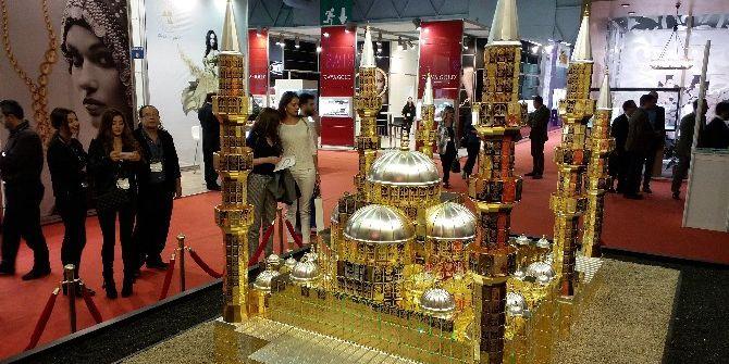 Çamlıca Cami'nin Altın Maketini Yaptılar