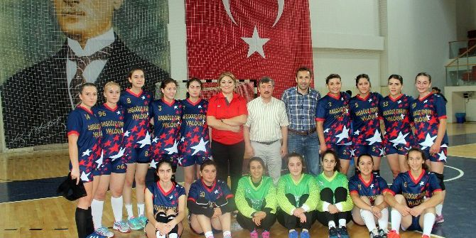 Yalova Gençlik Hizmetleri Spor Kulübü 2. Lig'e Yükseldi