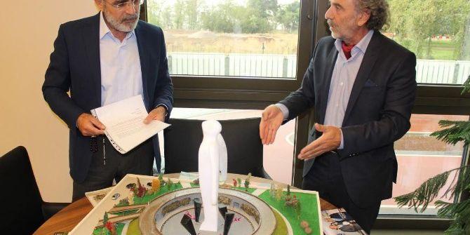 Cumhurbaşkanı Erdoğan'a 15 Temmuz Şehitleri Anıtı Projesi Sunuldu