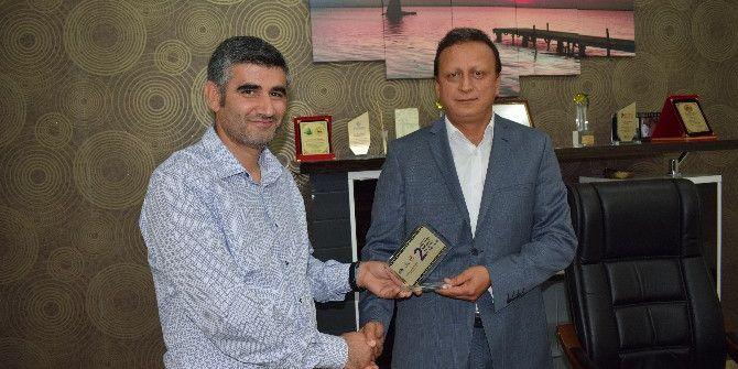 Mafsad'tan Başkan Kırteke'ye Plaket