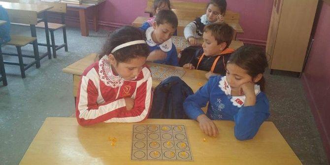 Karbasan İlkokulu'nda Zeka Oyunları Ve Mantıksal Aritmetik Kursu