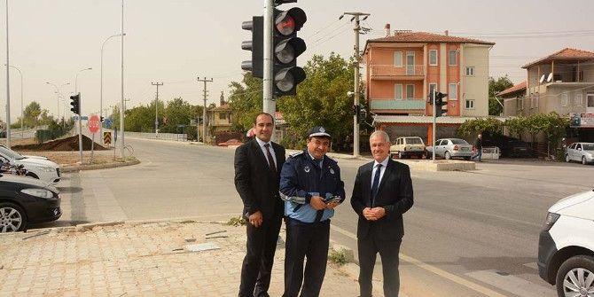 Başkan Acar, Trafik Işığı Monte Edilen Kavşakta İncelemelerde Bulundu