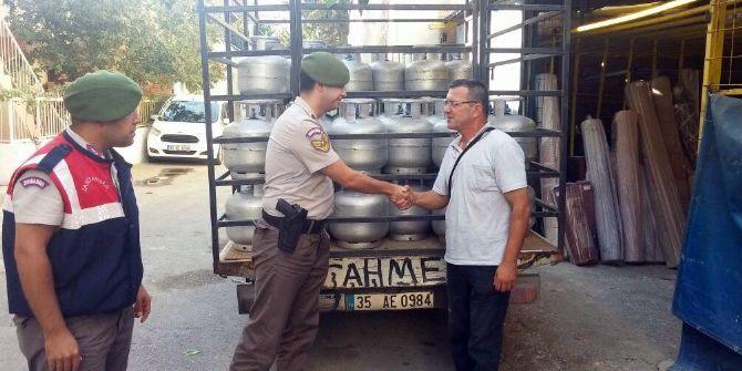 Başbakan'ın İzmir Ziyareti Öncesi Bir Kamyon Tüp Çalan Şüpheliler Yakalandı