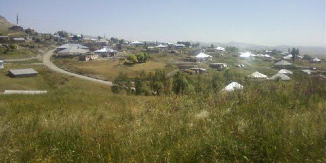 Ağrı Eleşkirt Toprakkale Köyü