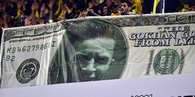 Fenerbahçe Tribününde İlginç Gökhan Gönül Pankartı