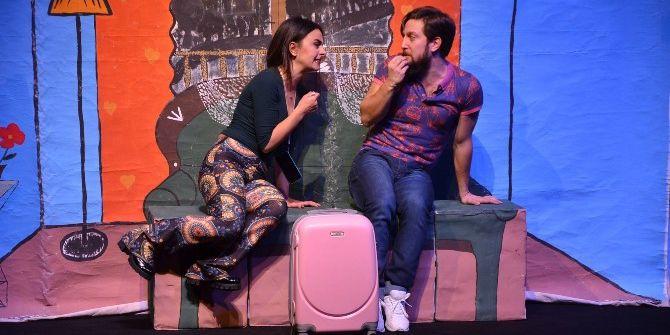 """""""Aşk Bir Şey Değildir"""" Oyunu Tiyatro Sevenler İle Buluştu"""