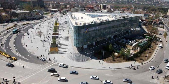Bursa'da İki Avm Kira Bedellerini Türk Lirası'na Çevirdi