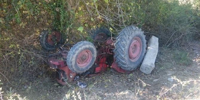 Devrilen Traktörün Altında Kalan Sürücü Hayatını Kaybetti