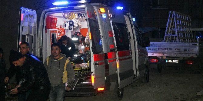 Asansör Boşluğuna Düşen İşçi Yaralandı