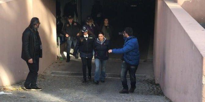 İzmir'i De Yakalanan 2 Kadın Terörist Tutuklandı
