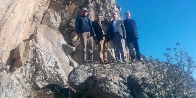 Kütahya Dağcılık Federasyonu Yetkilileri, Tırmanmaya Elverişli Olan Kayalıkları İnceledi