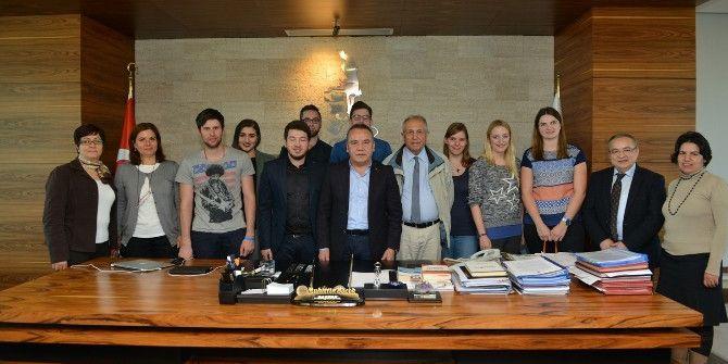 Alman Öğrenciler Başkan Böcek'i Ziyaret Etti