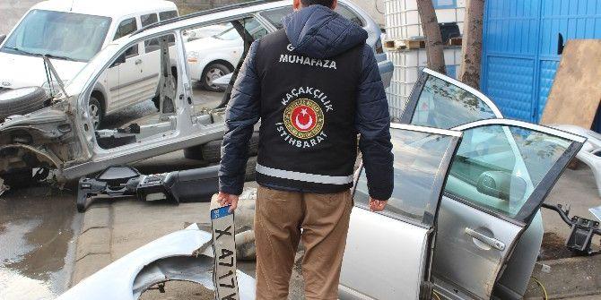 Gümrük Muhafaza Ekipleri Parçalanmış 3 Yabancı Plakalı Lüks Araç Ele Geçirdi
