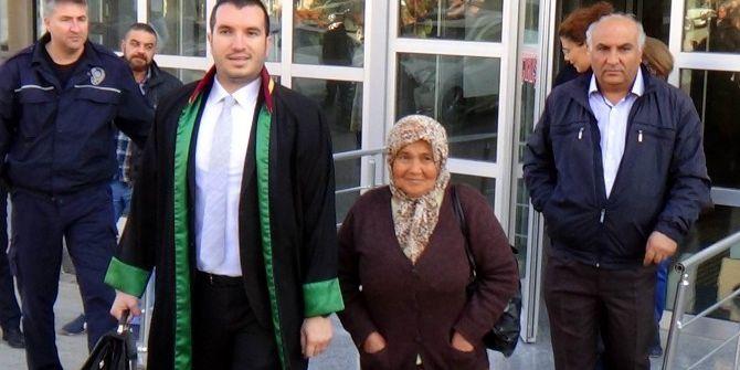 Terlik Davasında Beraat Eden Anne Mahkemede Gözyaşlarına Boğuldu