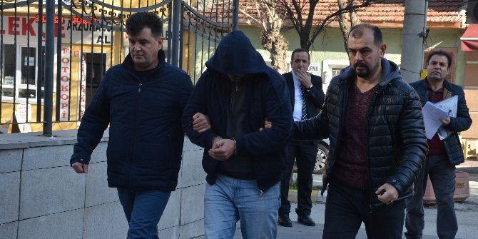 İş Bulma Vaadiyle Vatandaşı Dolandıran Şüpheli Suçüstü Yakalandı