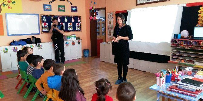 İzmit Okullarında Çocuk İstismarı Eğitimi Veriliyor