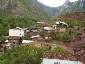 Artvin Aşağımaden Köyü