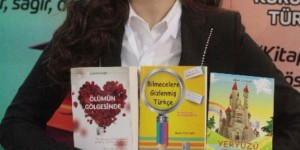Görme Engelli Yazar Yeni Kitaplarıyla Çukurova Kitap Fuarı'nda