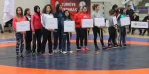 Türkiye Kadınlar Güreş Şampiyonası Bugün Sona Eriyor