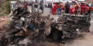 Peru'da Üç Araç Birbirine Girdi 16 Ölü