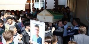 Silahlı Çatışmanın Ortasında Kalan Lise Öğrencisi Son Yolculuğuna Uğurlandı