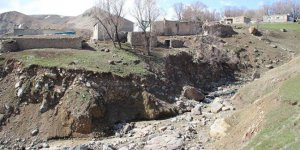 Ağrı Taşlıçay Yukarıesen Köyü