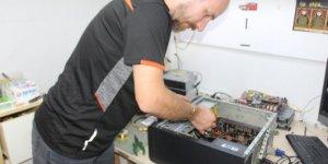 Vatandaşlar toplama bilgisayara yöneliyor