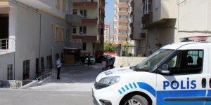 Balkondan düşen 1 yaşındaki çocuk ağır yaralandı