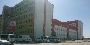 Yurt inşaatından düşen montaj işçisi yaralandı