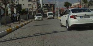 Özalp'taki kapalı yol trafiğe açıldı