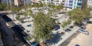 Onatkutlar mahallesindeki parklar yenileniyor