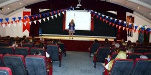 Velilere İngilizce seminer