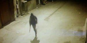 Pompalı tüfekle ateş ederken kameralara yakalandı