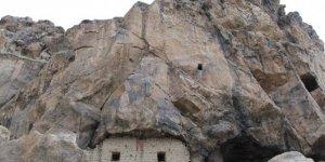 Gürün Mağara Köyü
